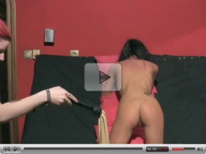 Mistress Lussy punishes skiny slave Viona.